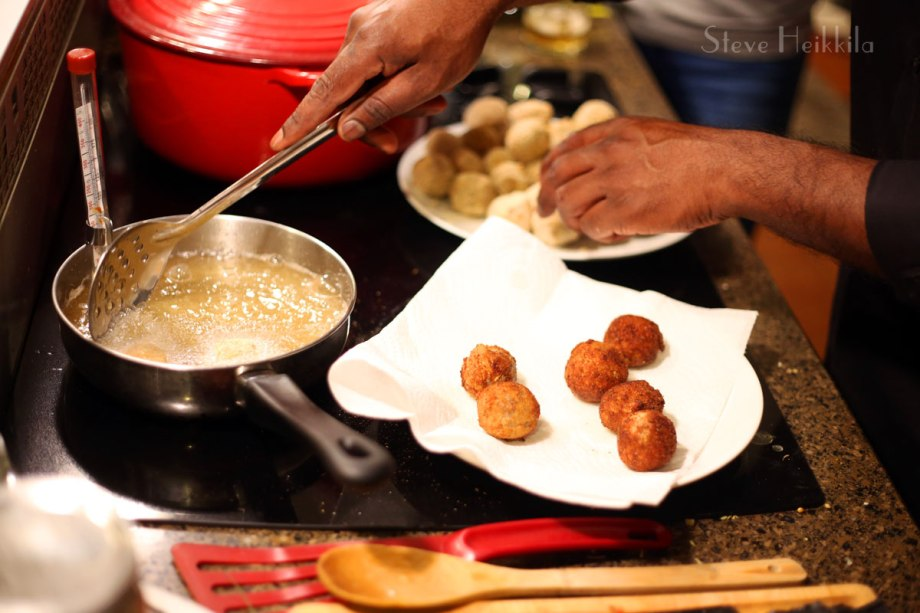 20180108_Noel-Frying-Sri-Lankan-Food